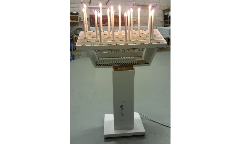 1 - Votivo sacred furnishings: Gestural candle-holder with personalized color.