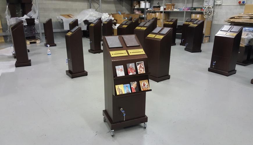 Lavorazioni speciali su misura e trasformazioni votivo for Arredi sacri
