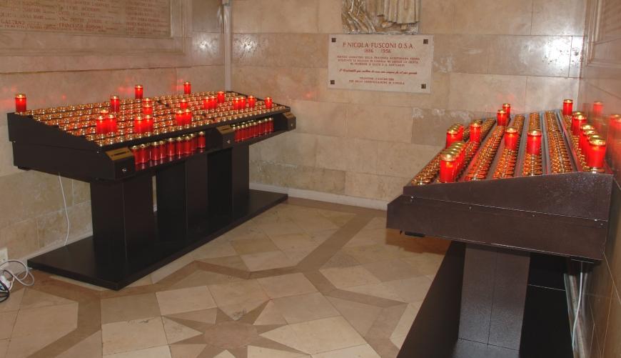 7 - Votivo Arredi Sacri: Candeliere gestuale per Chiese e grandi Santuari